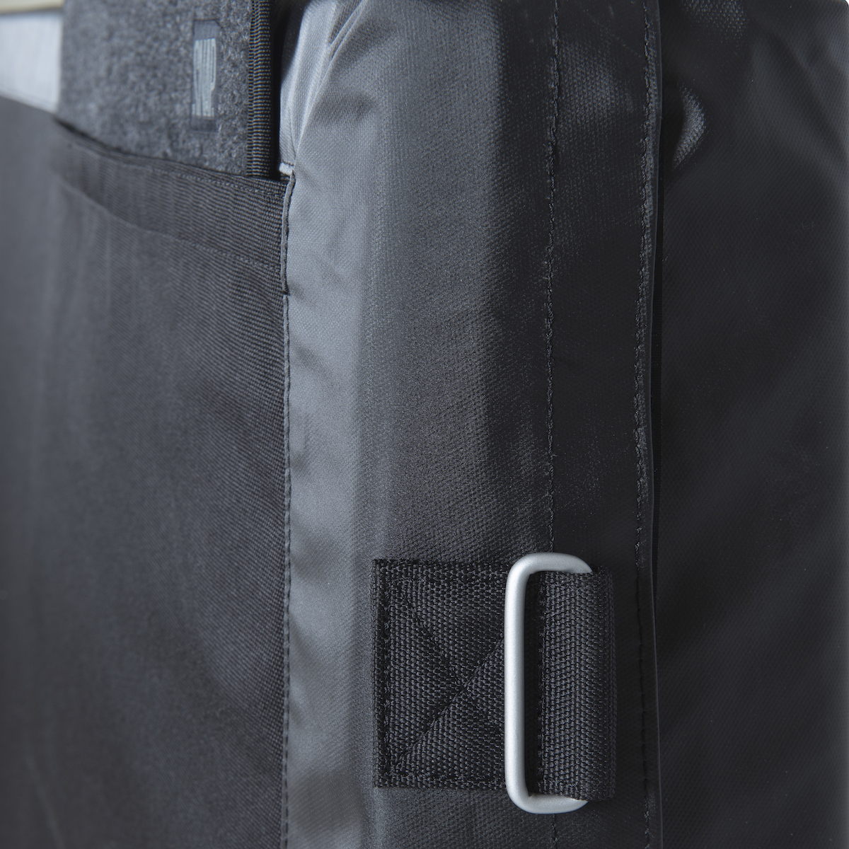 detail crash pad stamina black