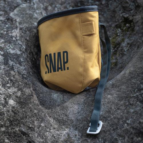 climbing chalk bag wth a zip