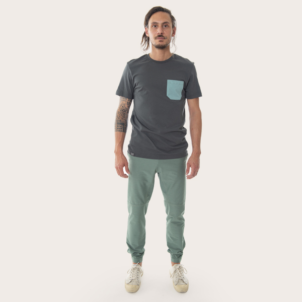 organic cotton t-shirtfront