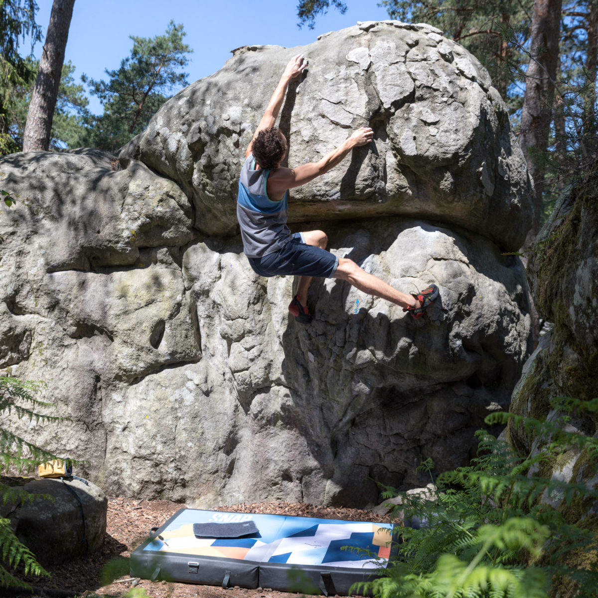 climber with a tank top for man