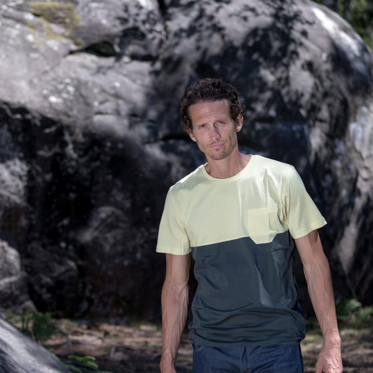 man's T-shirt for bouldering