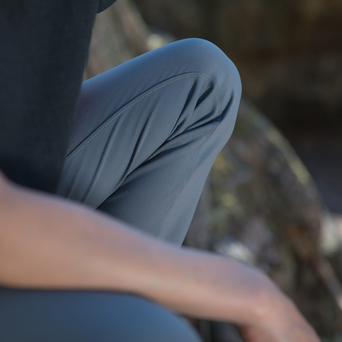 dark night pants for climber woman
