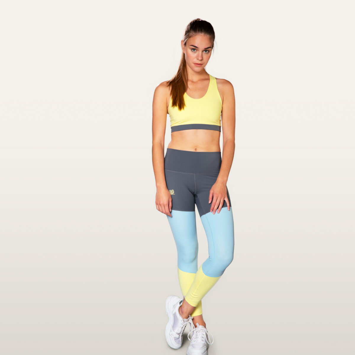 three colored legging to climb