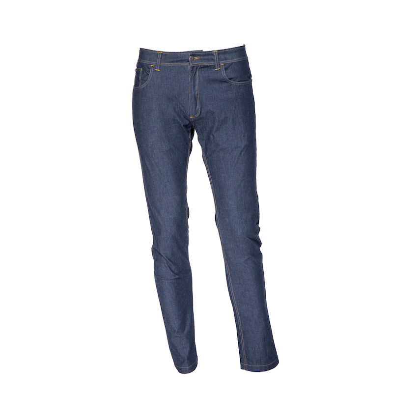 jeans in recycled and natural fabrics