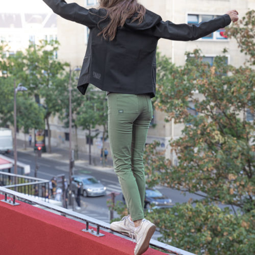 kaki high rise pants for climbers
