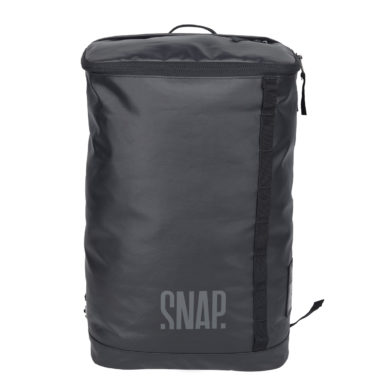black backpack recycled polyester 18L
