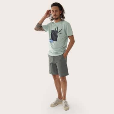 climbing tshirt hold model