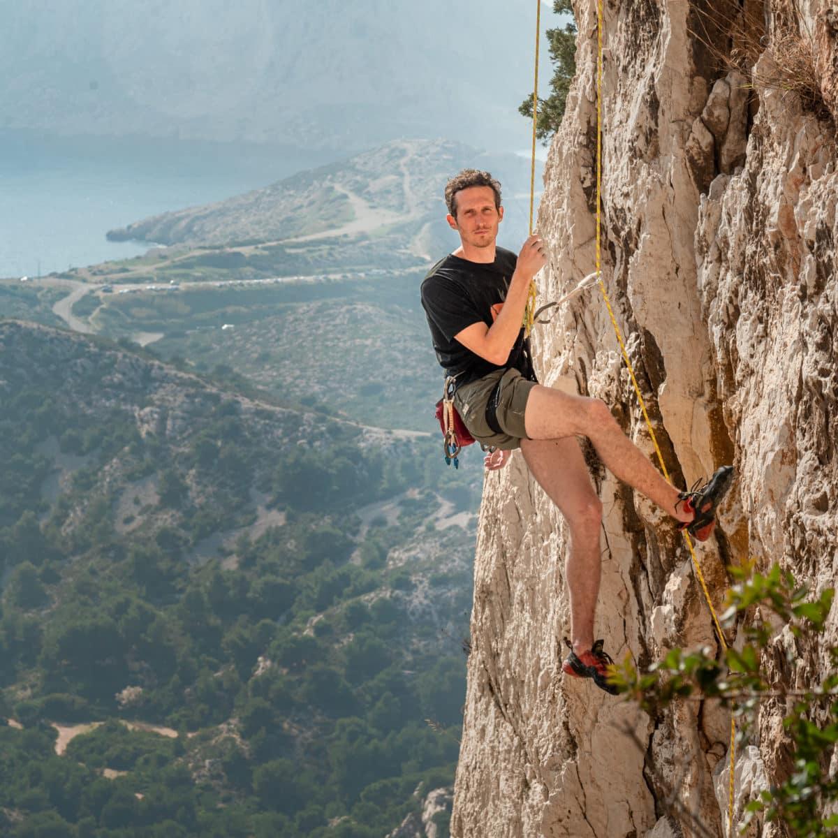khaki shorts for climbing