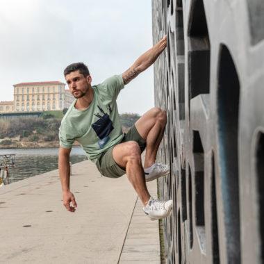 khaki water shorts for man
