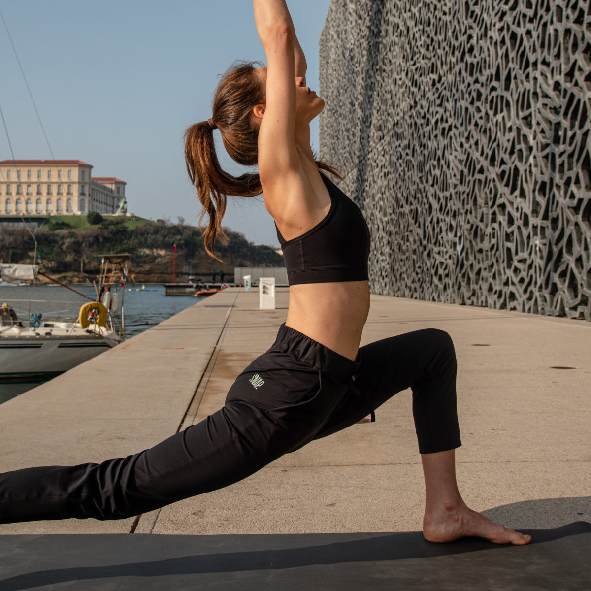 black pants for yoga